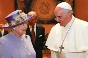 Rainha-Elizabeth-encontra-presenteia-uisque_ACRIMA20140404_0016_15